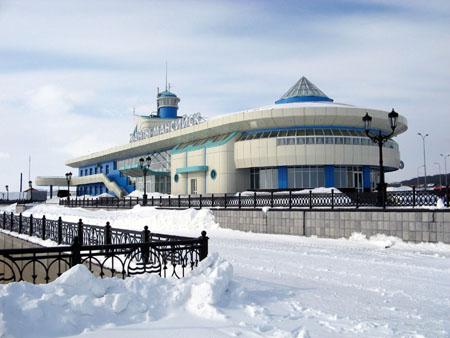 Речной порт и автовокзал в Ханты-Мансийске